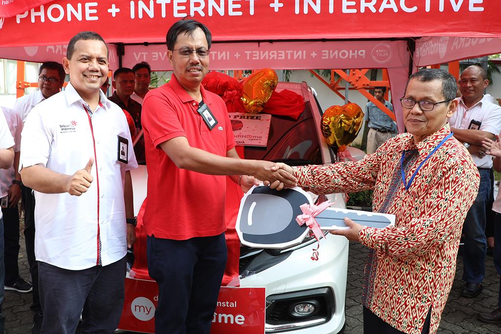Penyerahan Hadiah IndiHome Specta Grand Prize