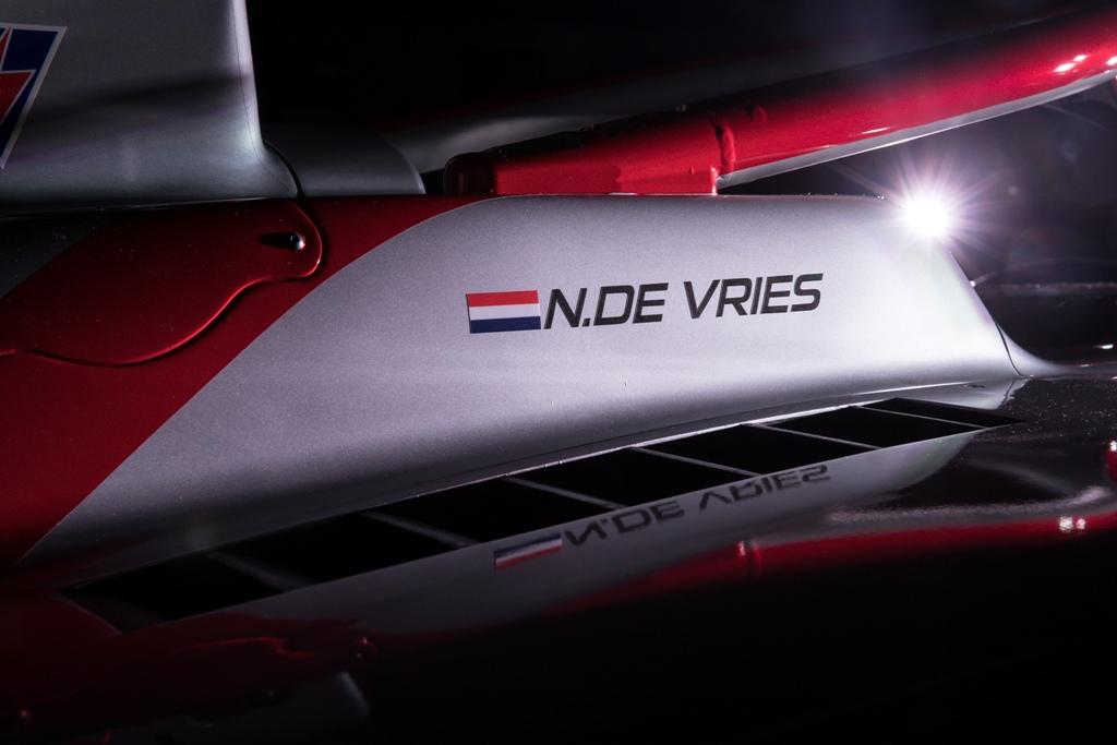 Penampakan Mobil Baru Prema yang akan Digunakan Sean dan De Vries